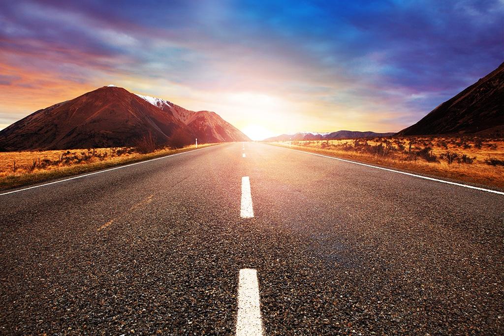 Estrada ao amanhecer
