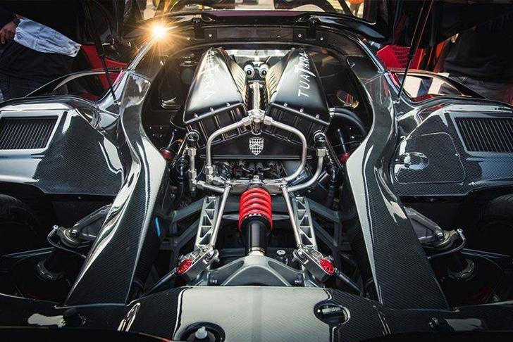 Motor V8 biturbo do carro mais rápido do mundo